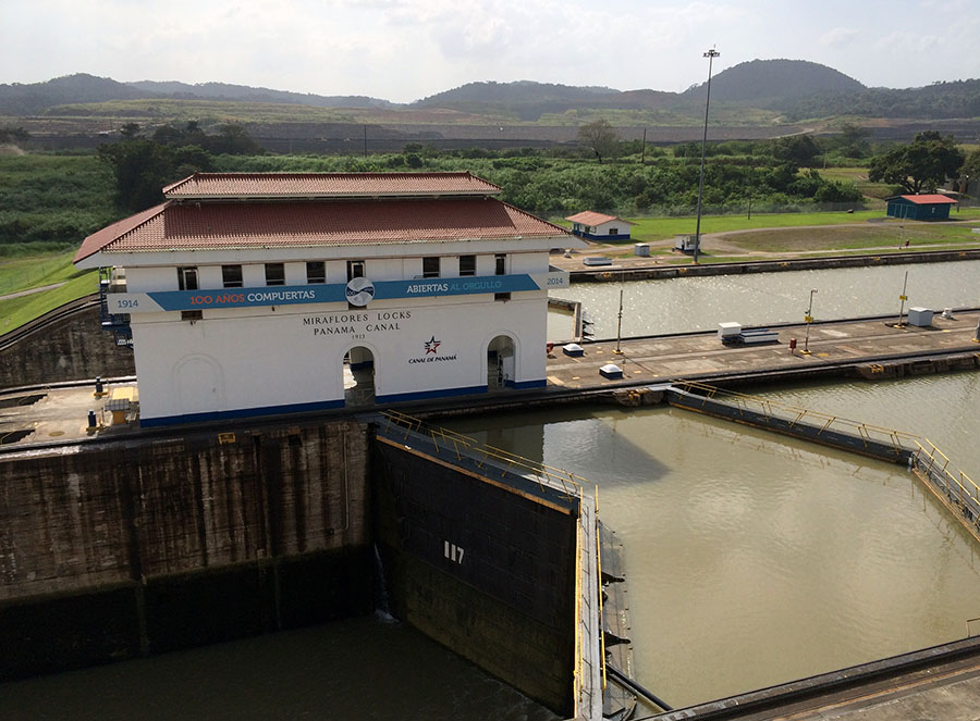 Höhenunterschied in den Miraflores Locks des Panamakanals
