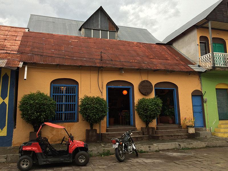 Hotel und Café Yax-ha in Flores