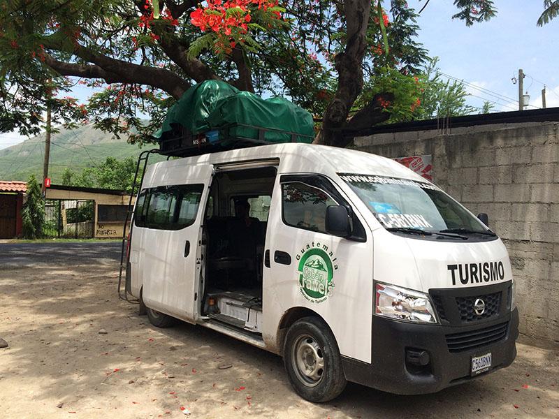 Typischer Shuttle Bus für Touristen
