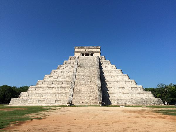 Maya Ruinen in Chichen Itza - Pyramide El Castillo