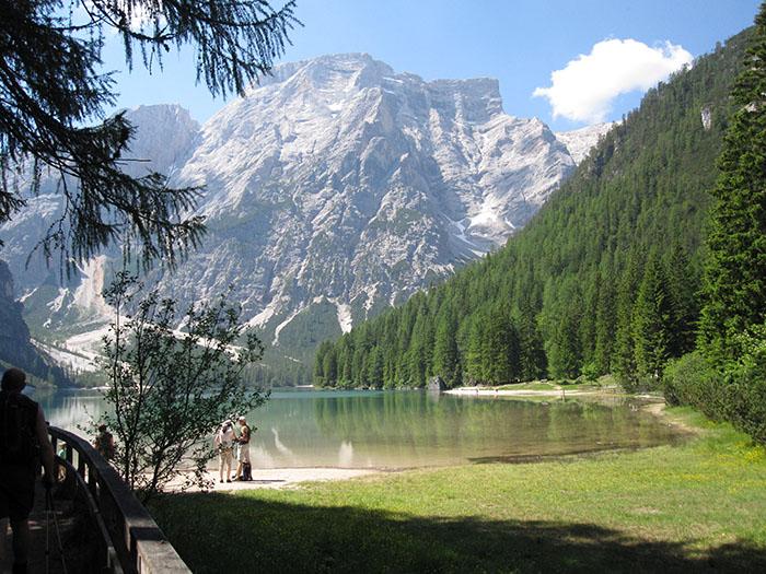 Der Pragser Wildsee im Hochpustertal  von Südtirol