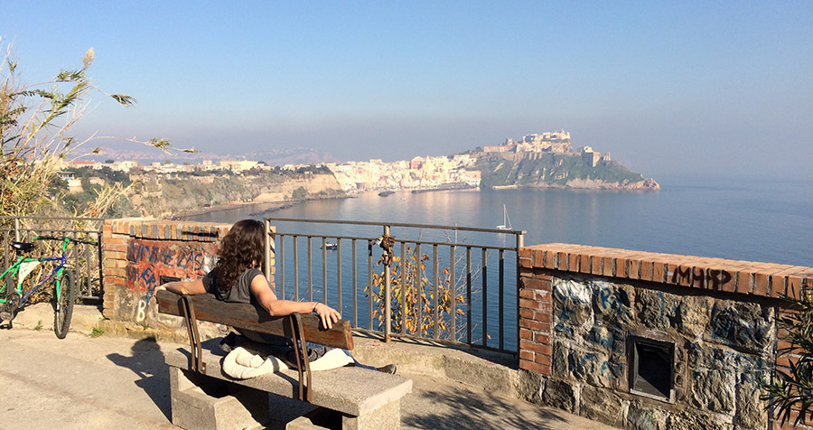 Procida - Blick auf den Fischerhafen Corricella
