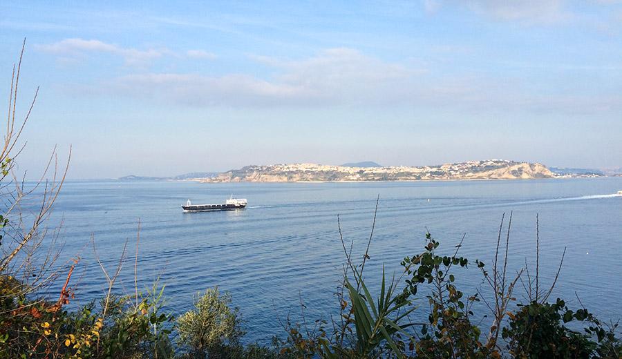Procida - Fähre nach Ischia