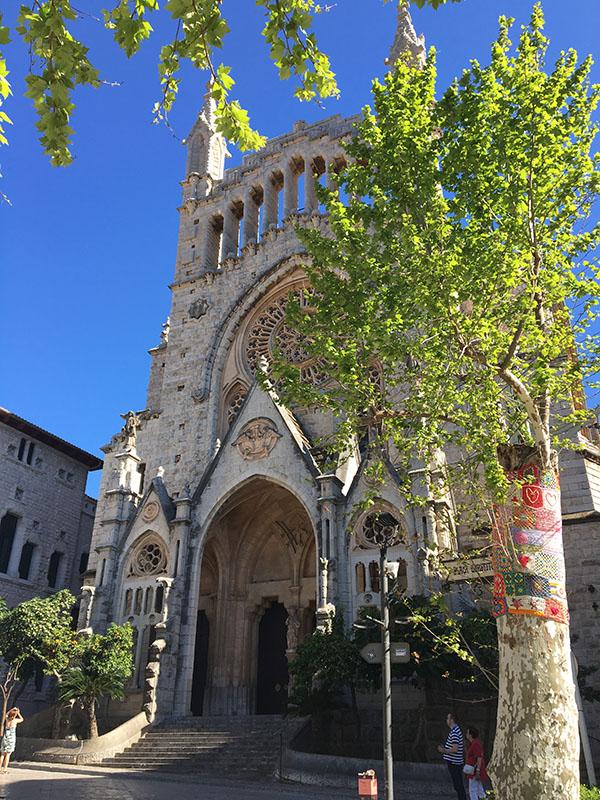 Die schöne Kirche von Sollér, Mallorca