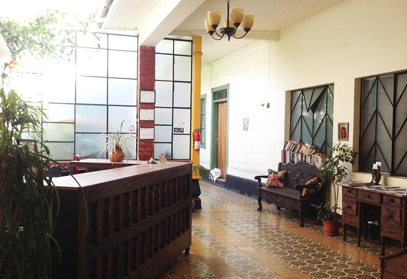 Die Rezeption im Casa Renaissance von Quetzaltenango (Xela), Guatemala