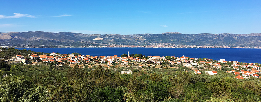 Die kleine Insel Ciovo vor Trogir in Kroatien