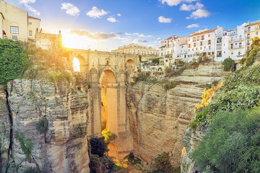 Die Puente Nuevo in Ronda, Andalusien (Spanien).