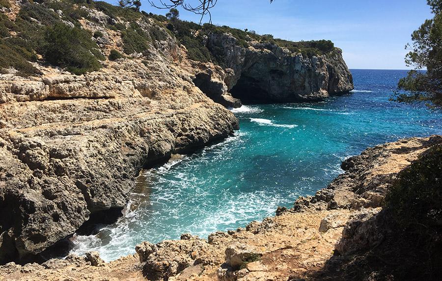 Die kleine Caló Blanc an der Ostküste Mallorcas.
