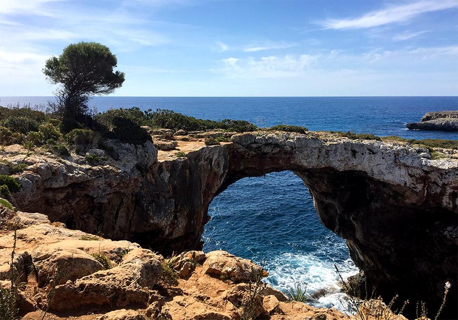 Die Cova des Pont an der Ostküste Mallorcas.