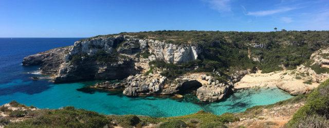Wandern auf Mallorca- Traumhafte Ausblicke auf dem Weg zur Marmorbucht - von der Cala S'Almonia zur Calò des Màrmols