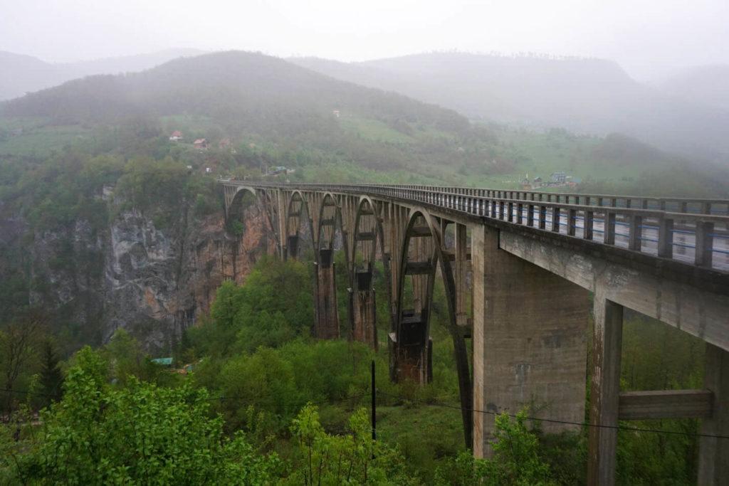 Blick auf die Tara Brücke in Montenegro
