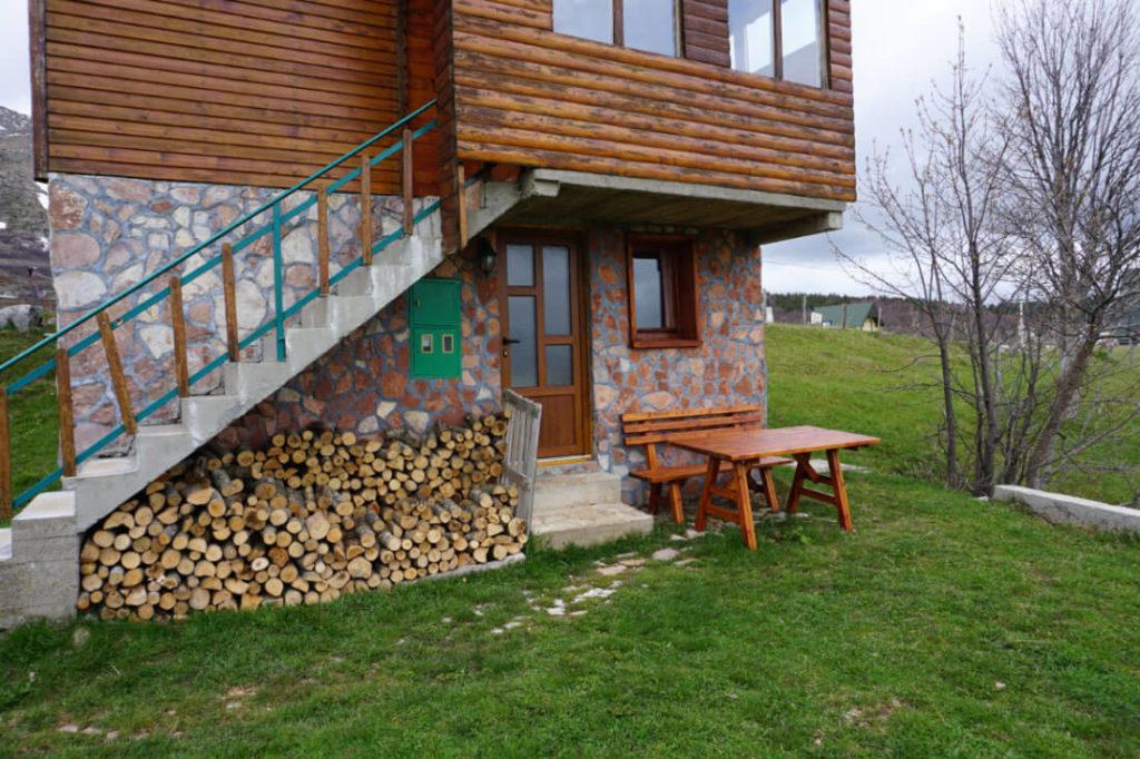 Unser gemütliches Zimmer in der Family Farm - mein Tipp für deine Unterkunft im Durmitor Nationalpark