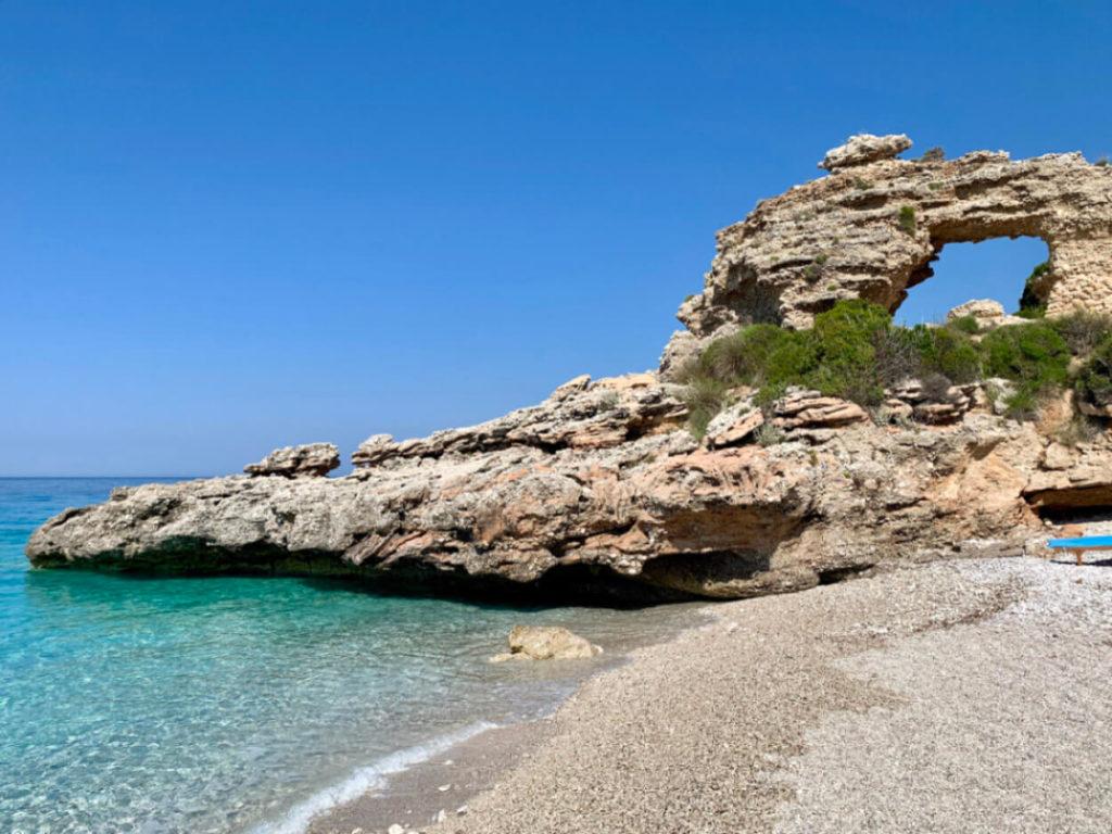 Der Strand von Drymades an der albanischen Riviera