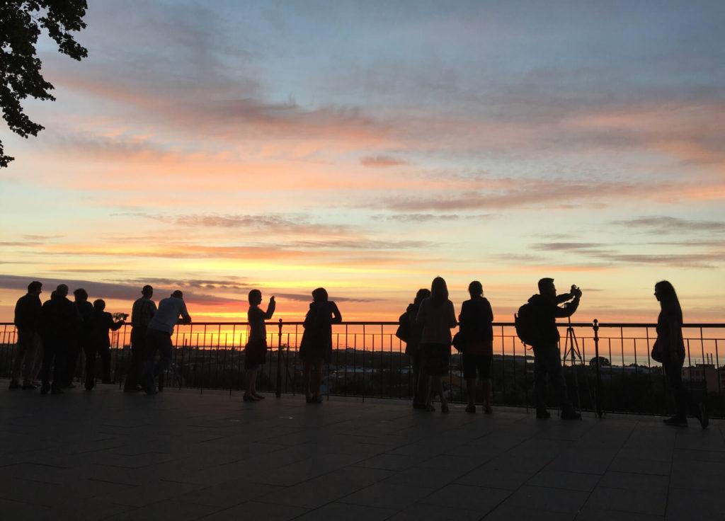 Sonnenuntergang an einem der herrlichen Aussichtspunkte von Tallinn - Estland